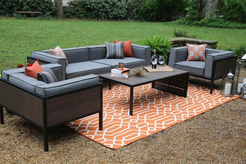 Dunn Edwards Swiss Coffee for a Contemporary Patio with a Outdoor Rug and Ae Outdoor by Ae Outdoor