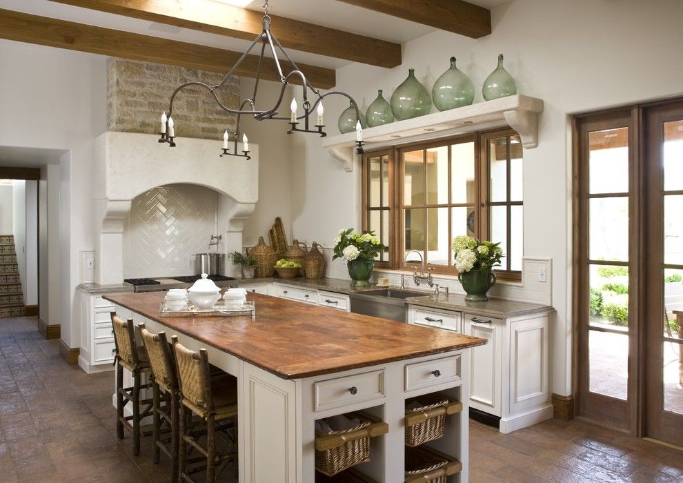 Dunn Edwards Swiss Coffee for a Traditional Kitchen with a White Cabinets and Kitchen by Palm Design Group
