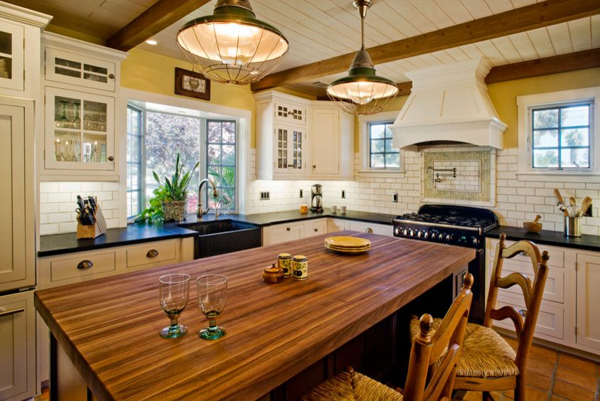 Dura Supreme for a Beach Style Kitchen with a Cottage Design and Hahka Happy Cottage Kitchen by Dura Supreme Cabinetry