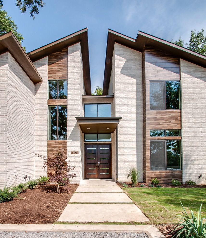 Eleganza Tile for a Contemporary Exterior with a Tile Cladding and Smolensky Project by Classic Urban Homes