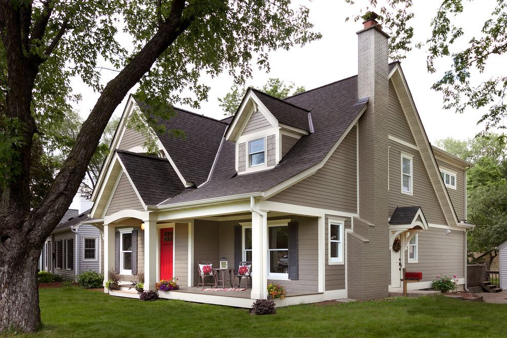 Exterior Color Schemes for a Traditional Exterior with a Red Front ...