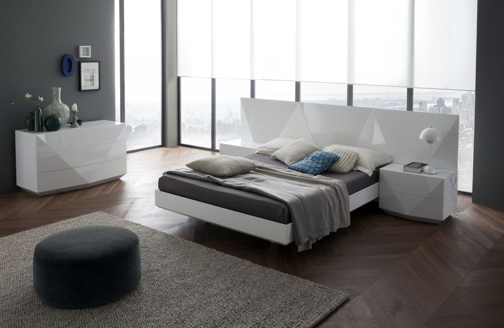 Fansedge Promo Code for a Modern Bedroom with a Sapphire Bed and Sapphire Bed in White by Div Furniture