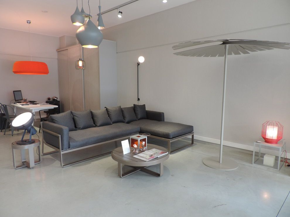 Gandia Blasco for a Contemporary Living Room with a Petite Friture and Showroom Spring/summer 2015 by Sole E Ombra