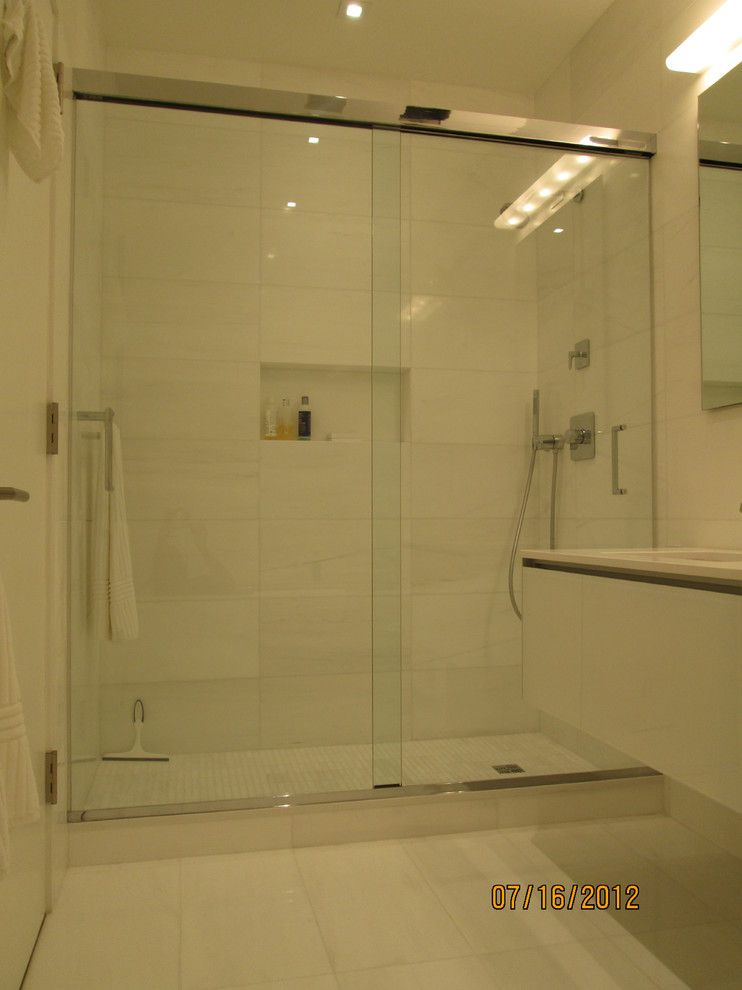 Glass Crafters for a Contemporary Bathroom with a Contmporary Shower and Glasscrafters' Epic Series   by Pass by Glasscrafters Inc