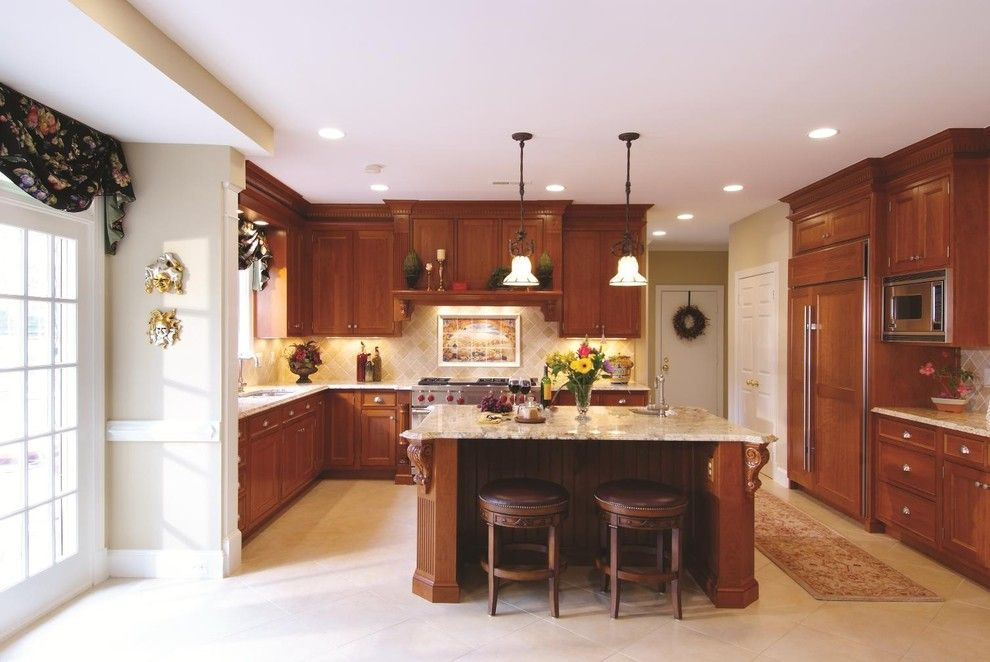 Granite Countertop Edges for a Traditional Kitchen with a Roman Gold and Snell Kitchen 7 by Cameo Kitchens, Inc.
