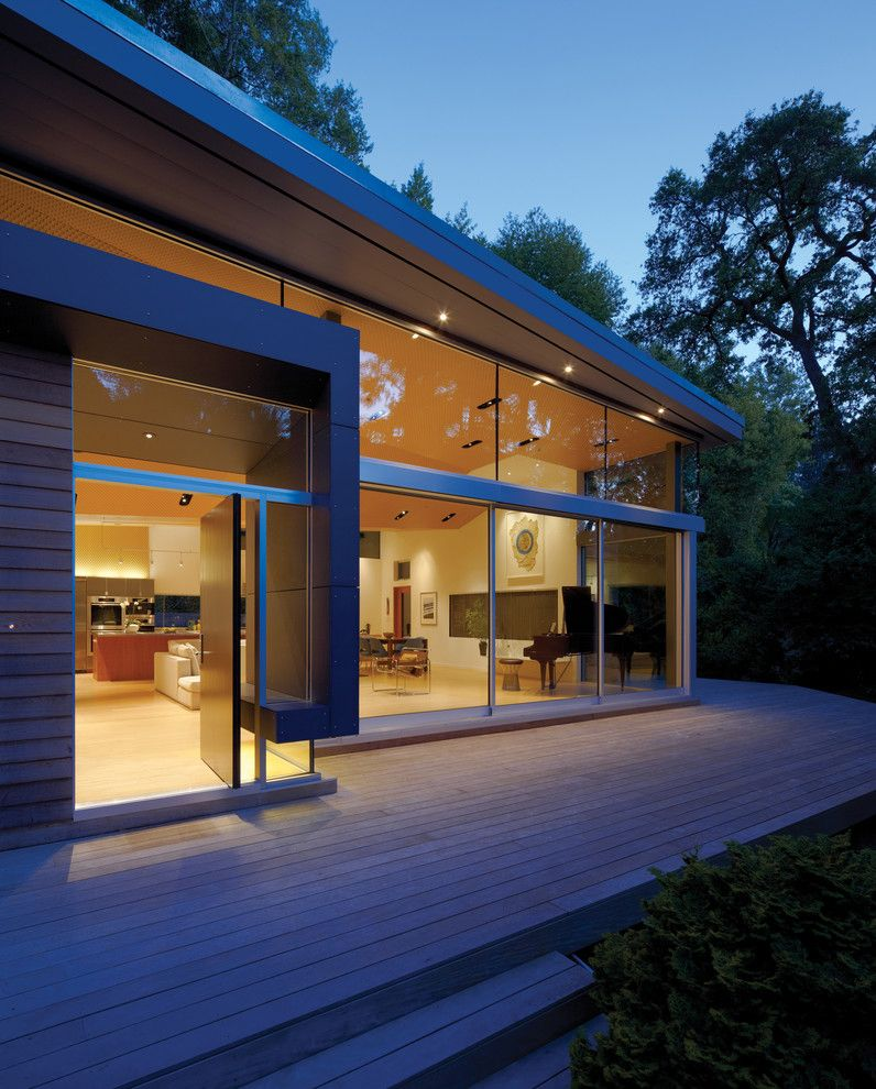 Griffin Pools for a Modern Entry with a Glass Door and Griffin Enright Architects: Ross Residence by Griffin Enright Architects