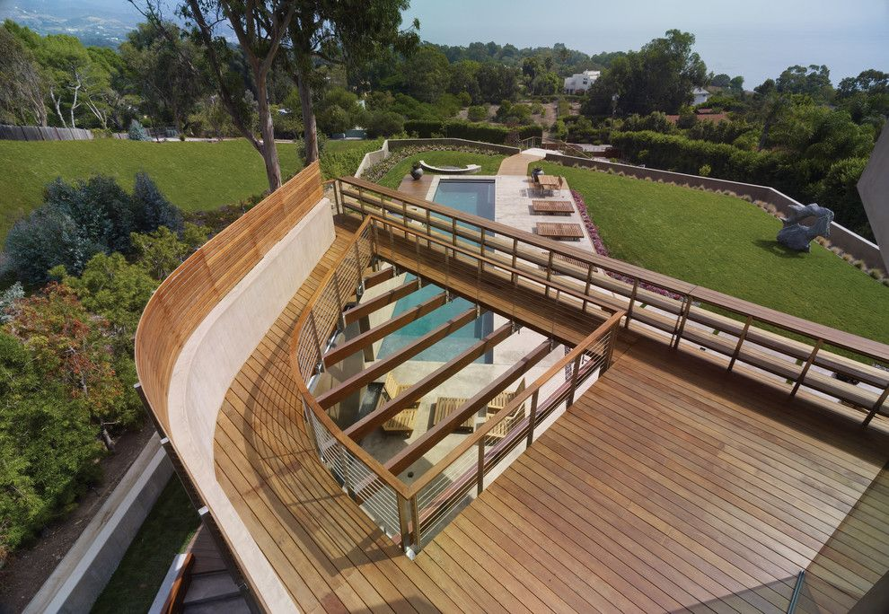 Griffin Pools for a Modern Landscape with a Ocean and Point Dume Residence by Gel: Griffin Enright Landscape