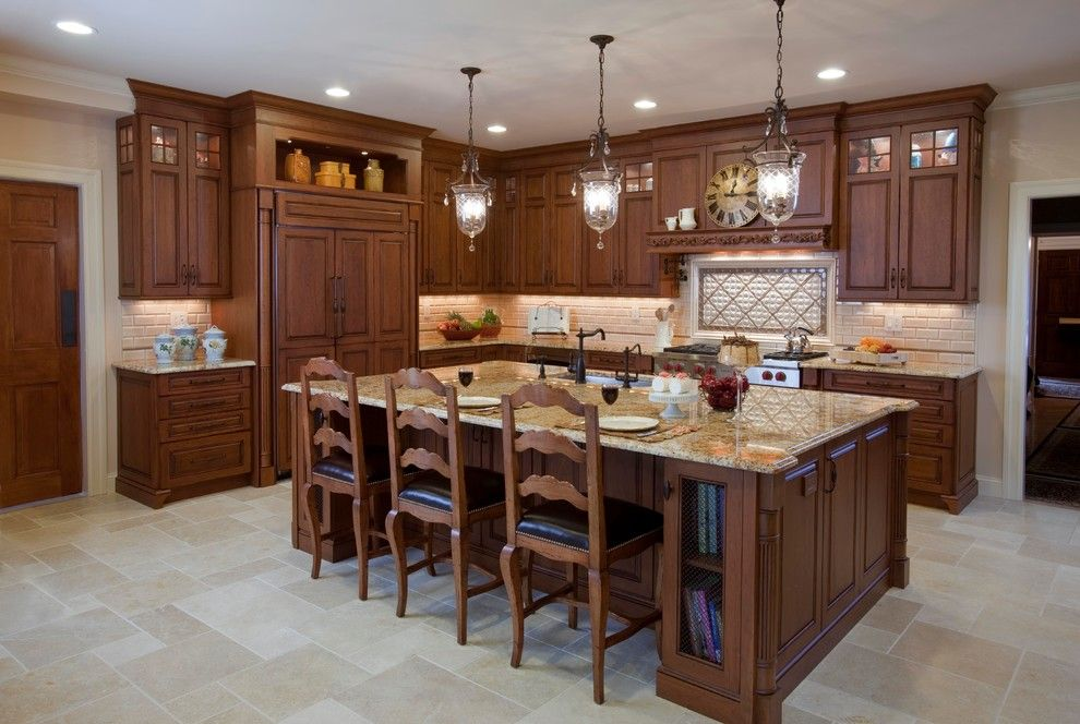 Guy Chaddock for a Traditional Kitchen with a Dark Stained Wood and Kitchendesigns.com   Kitchen Designs by Ken Kelly, Inc. Great Neck, Ny   Kl1301 by Kitchen Designs by Ken Kelly, Inc. (Ckd, Cbd, Cr)