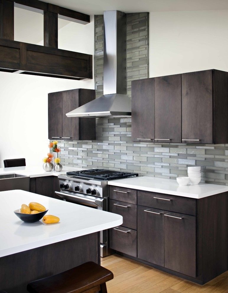 Handsome Cabinets for a Contemporary Kitchen with a Subway Tiles and Oceanside Glasstile Elevations Platinum by Oceanside Glasstile