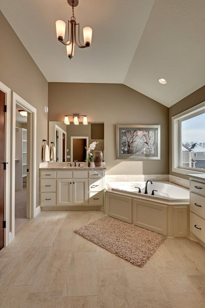 Hanson Builders for a Traditional Bathroom with a Traditional and 14 Leaf Wing Drive, North Oaks, Mn by Hanson Builders, Inc.