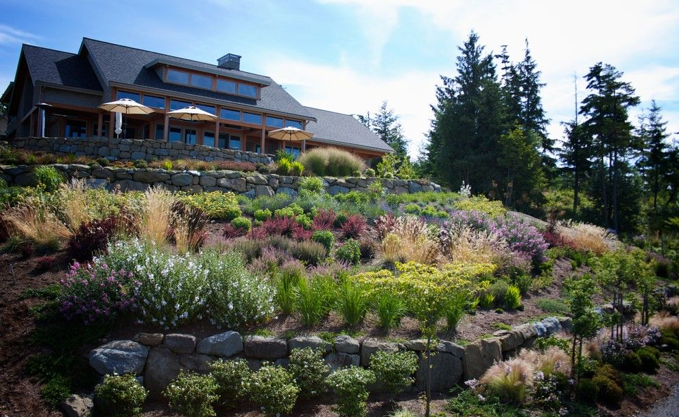 Hillside Landscaping for a Contemporary Landscape with a Drought Tolerant and Hillside Garden by the Philbin Group Landscape Architecture