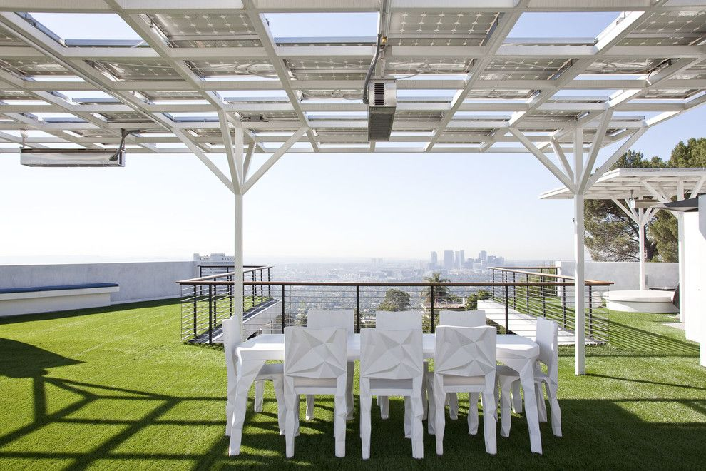 Holden Roofing for a Modern Deck with a City View and Green Greenberg Green House by New Theme Inc.