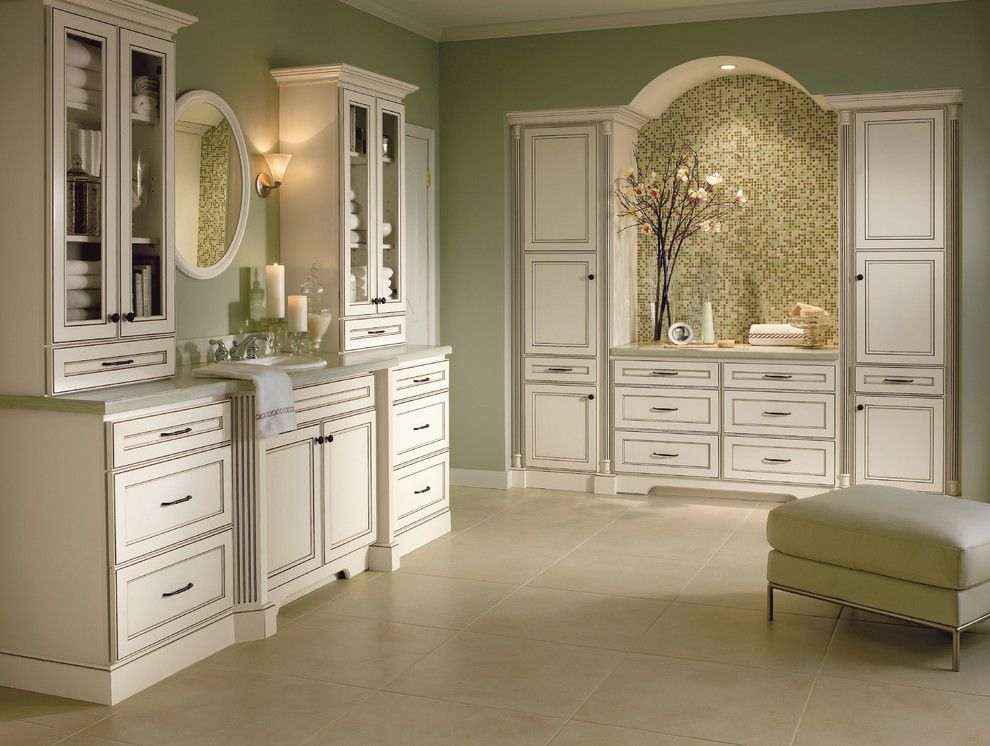 Homecrest Cabinets for a Traditional Bathroom with a Traditional and Homecrest Eastport Bathroom Cabinets by Masterbrand Cabinets, Inc.