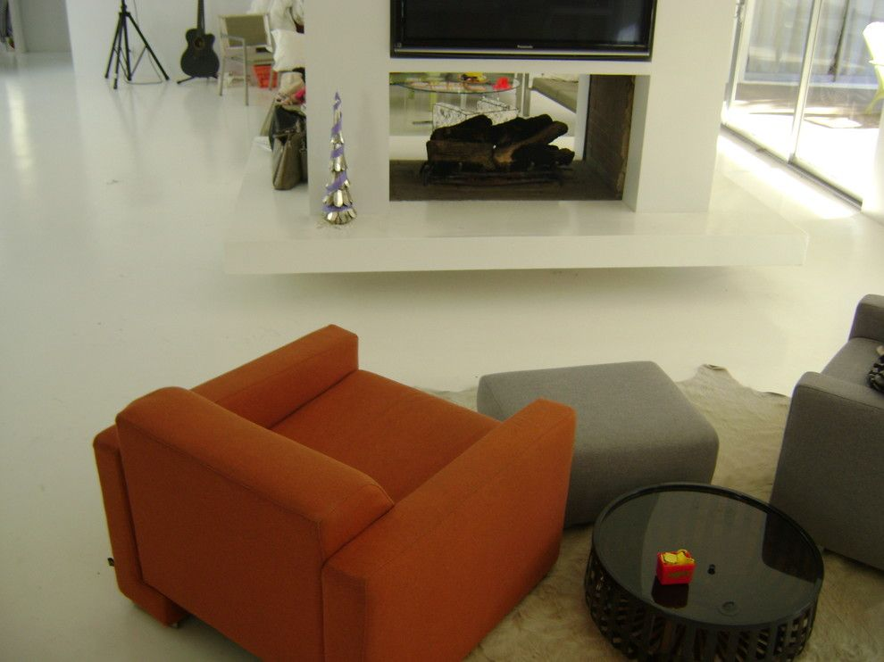 Houzer for a Midcentury Family Room with a Epoxyflooring and Pasadena White Floors by Floor Strength