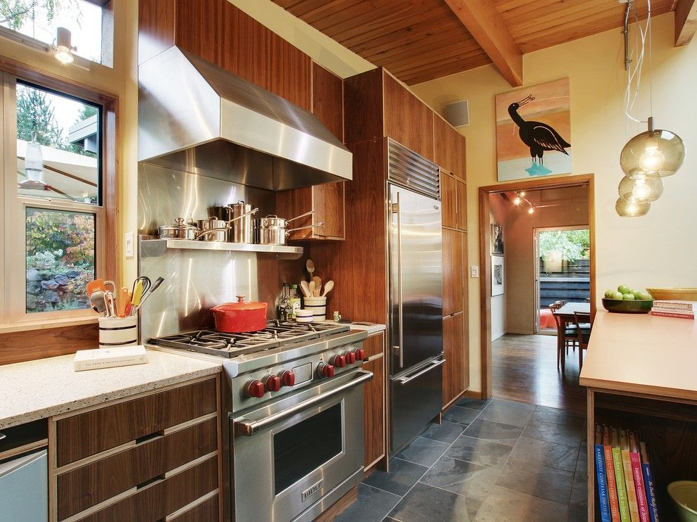 How to Get Rid of Mosquitoes for a Modern Kitchen with a Wood Beams and Modern Kitchens by Mu 2 Inc.