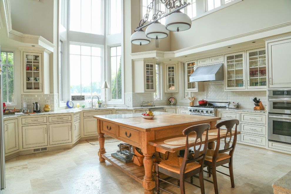 How to Glaze Cabinets for a Traditional Kitchen with a Glazed Kitchen Cabinets and Cream Painted and Glazed Kitchen Cabinets by Bella Tucker Decorative Finishes