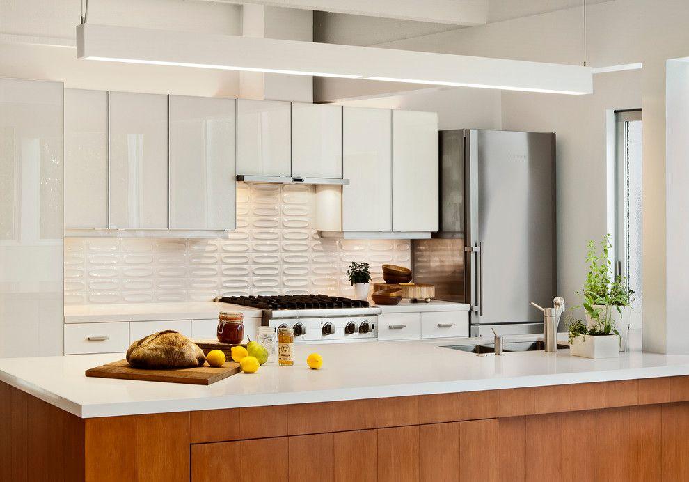 Ikea Akurum for a Midcentury Kitchen with a Kitchen Island and Carmel Mid Century Leed by Studio Schicketanz