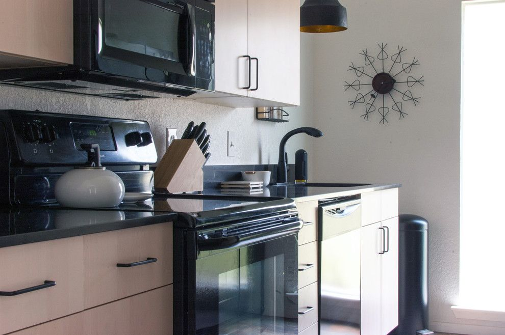 Ikea Akurum for a Midcentury Kitchen with a Midcentury and My Houzz: Dana Mcgill Perez by Angela Flournoy