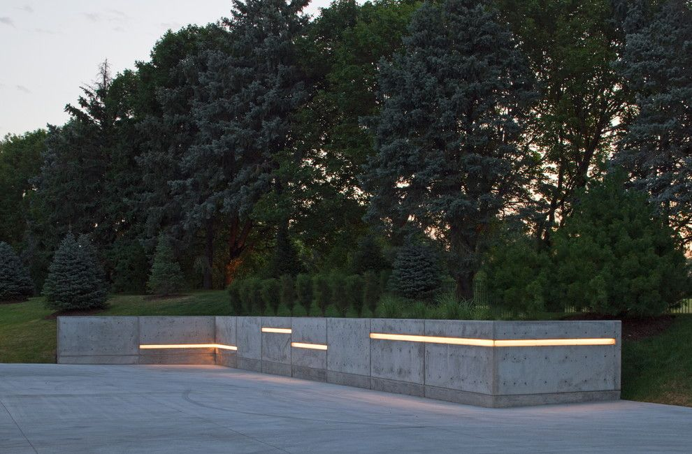 Illuminations Lighting for a Contemporary Landscape with a Led Exterior Lights and Spring 2012 Installation   Contempory by Mckay Landscape Lighting