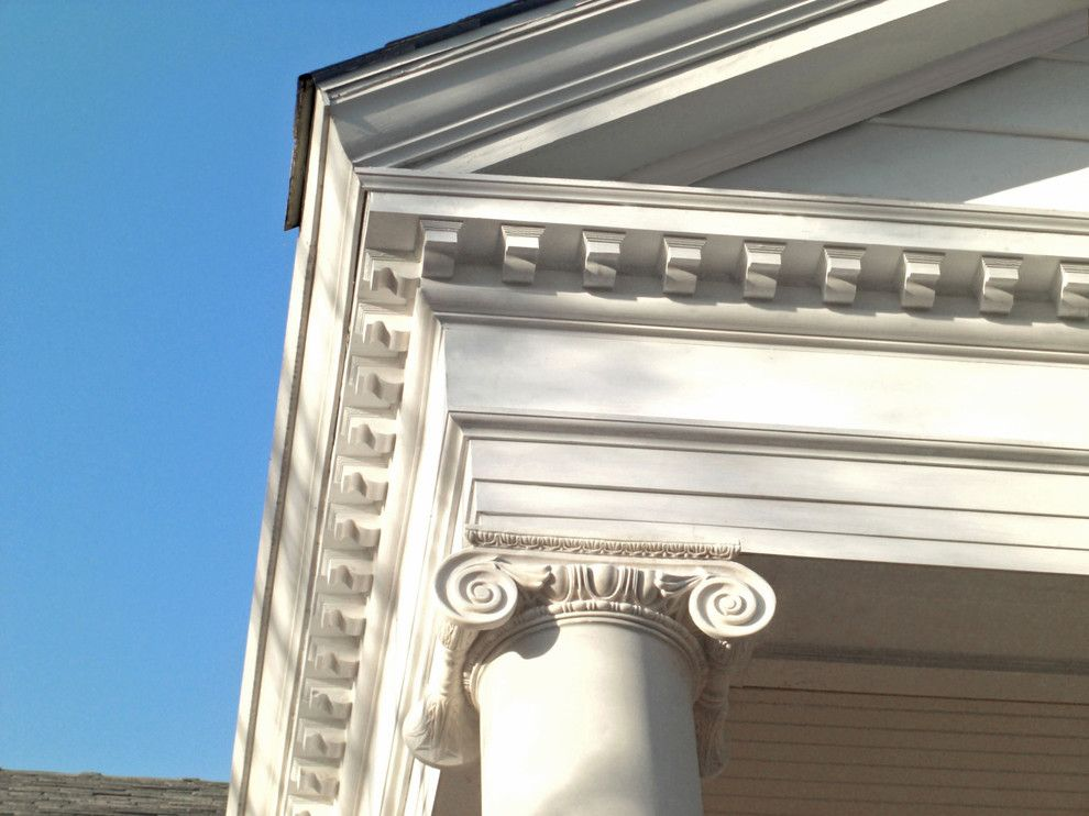 Ionic Columns for a Traditional Spaces with a Columns and Byrd Residence by Chadsworth Columns