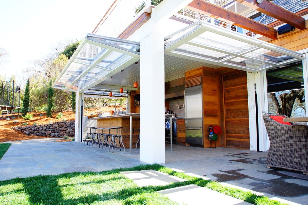 Jen Weld Doors for a Traditional Patio with a Indoor Outdoor Kitchen and Arastradero Road by Cairn Construction Inc.