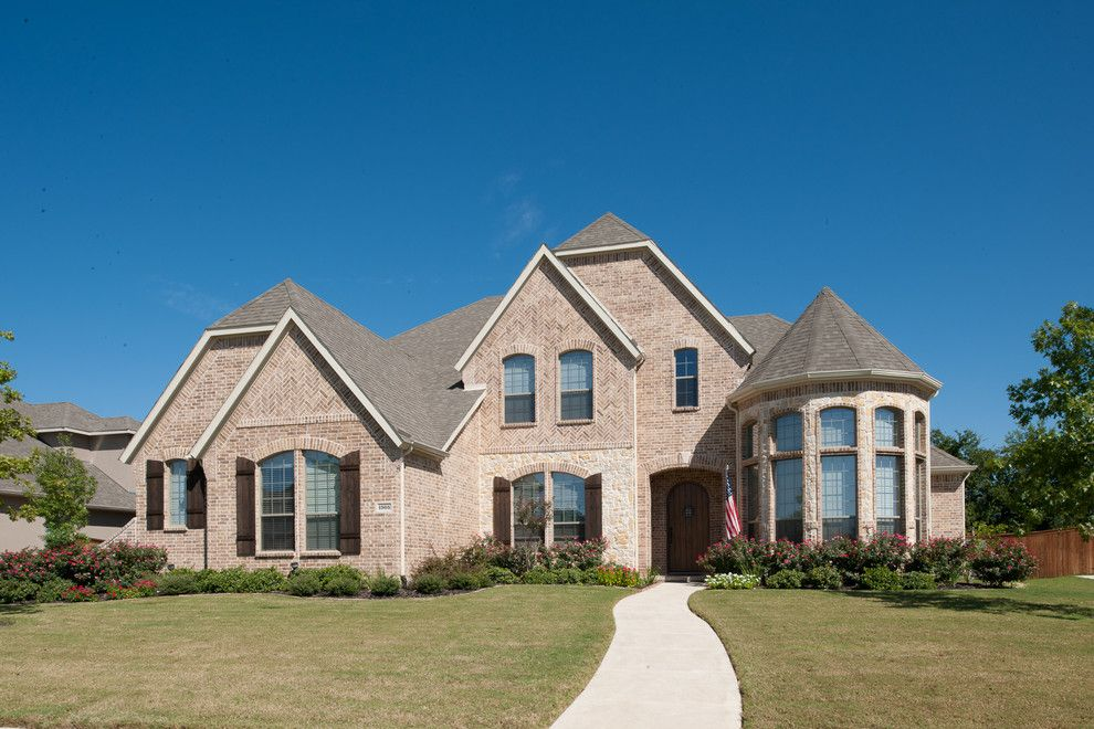 Jenkins Brick for a Traditional Exterior with a House and Residential by Acme Brick Company