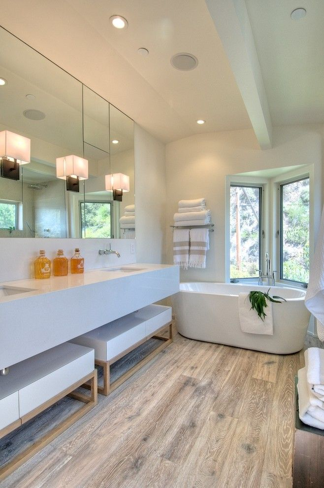 Jesco Lighting for a Modern Bathroom with a Ceiling Beam and West Shore by Martin Kobus Home