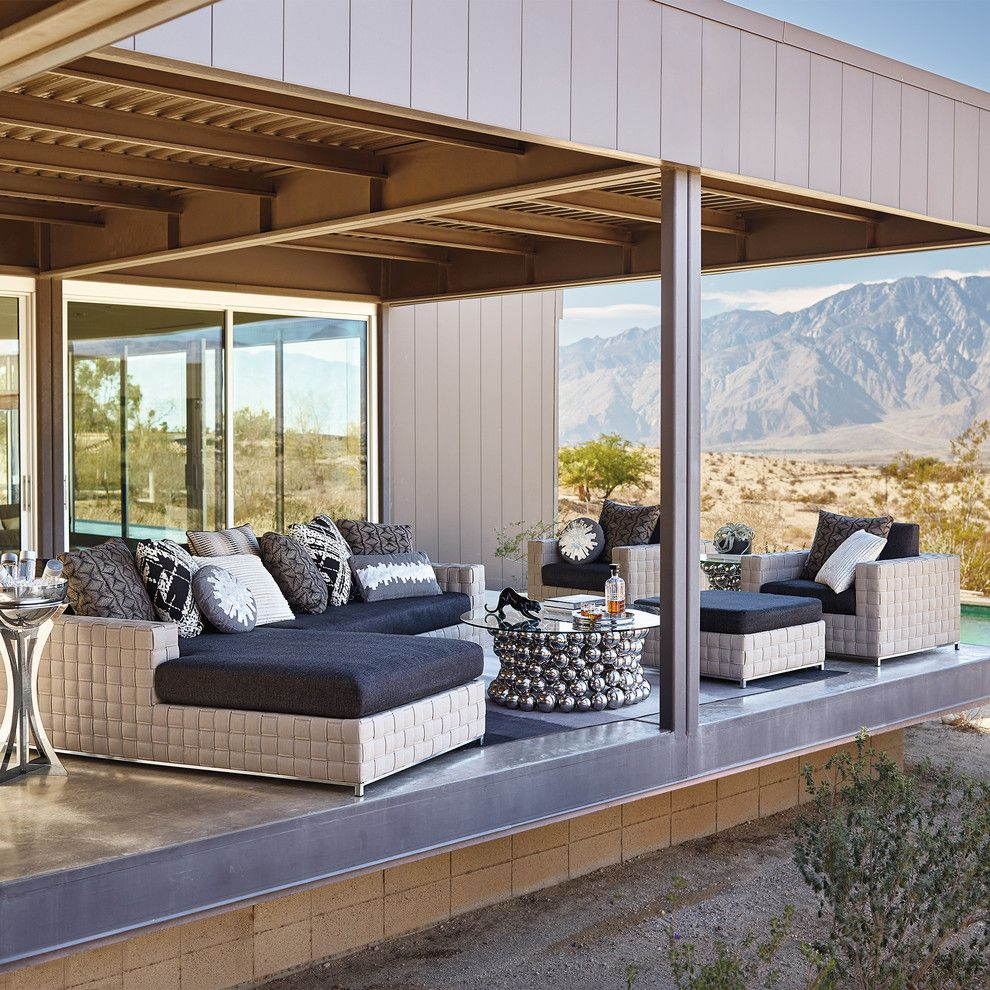 Jetta Tubs for a  Sunroom with a  and Porta Forma by Porta Forma