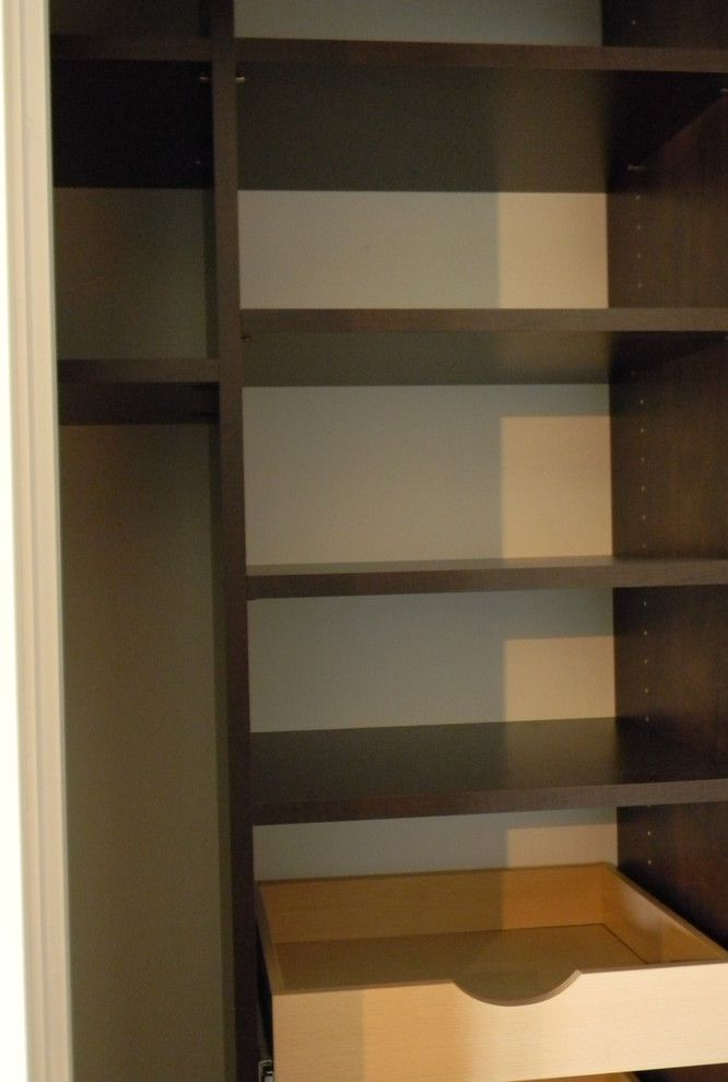 Jordahl Custom Homes for a  Kitchen with a Custom Drawers and Closets/storage by Jordahl Custom Homes