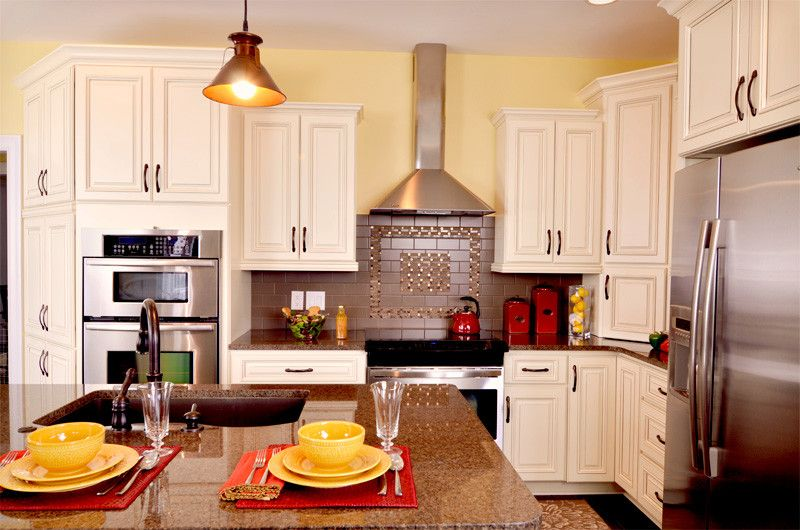 Kabinet King For A Traditional Kitchen With A Island And KabinetKing River  Run Cabinetry By Kabinet King USA Inc