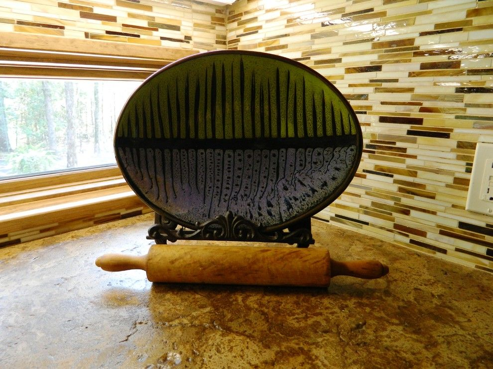 Kemiko for a Rustic Kitchen with a Concrete Countertop and Chelsea Art Glass: Horn Rhythm Field by Wright Built