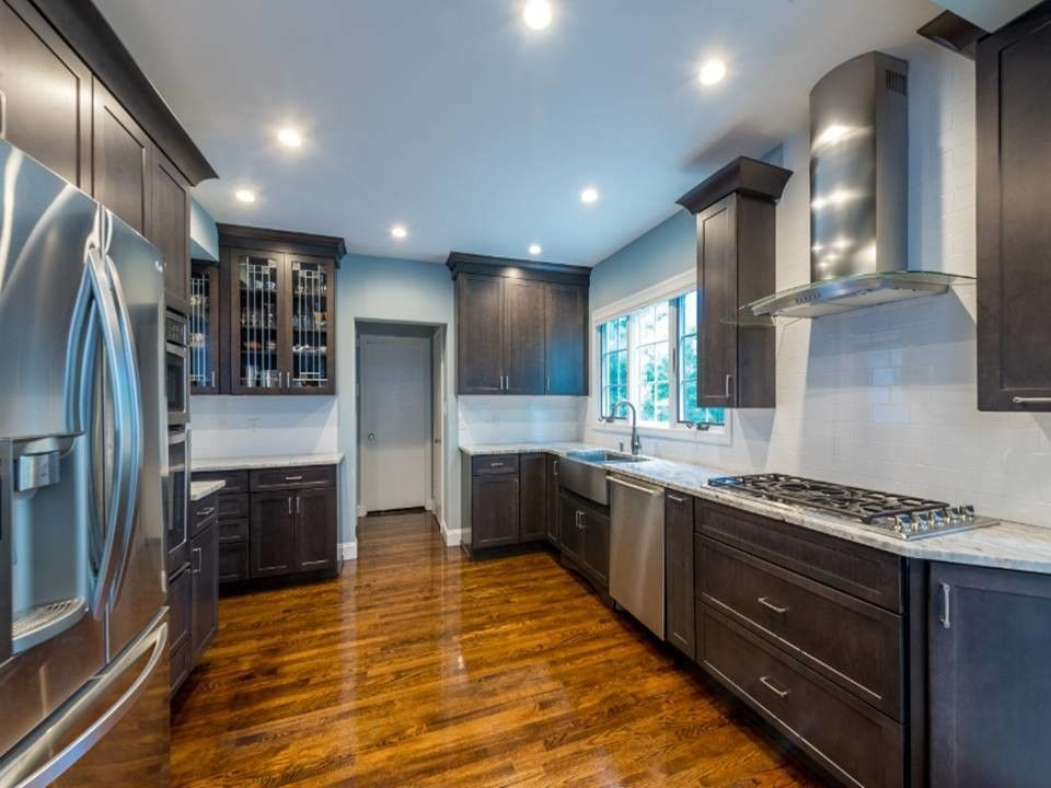 Kemper Cabinets for a Contemporary Kitchen with a Cooktops and a Beautiful Storm: Manhasset Kitchen by a Direct Cabinet Distributor Corp