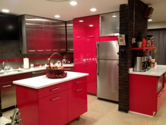 Kitchen Crashers for a Contemporary Kitchen with a Kohler and Bucktown Firehouse Diy