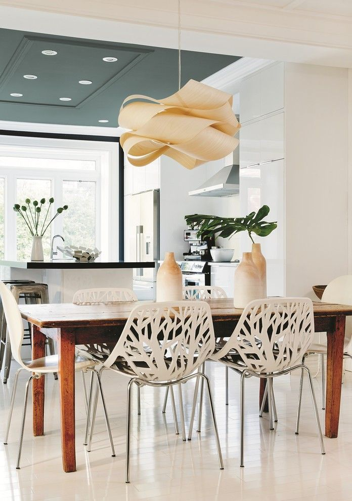 Knockdown Ceiling for a Contemporary Dining Room with a White Dining Chairs and Ppg Pittsburgh Paints by Ppg Architectural Coatings