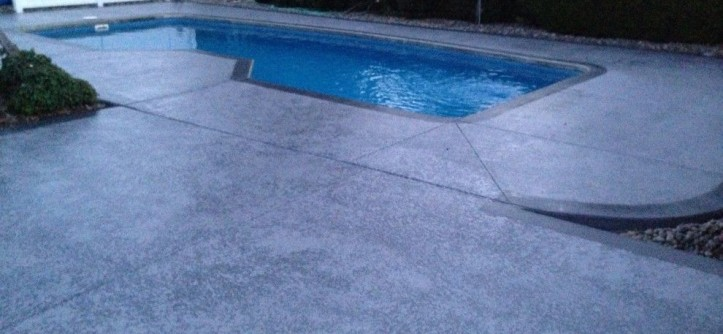 Knockdown Texture for a Contemporary Pool with a Contemporary and Leggari Custom Knockdown Texture with Wood-Grain Borders by Leggari LLC