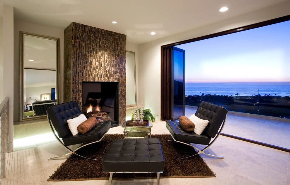 La Cantina Doors for a Contemporary Living Room with a Ocean and Rembrandt Residence by Lacantina Doors