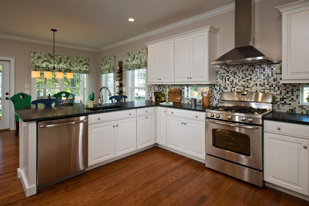 Lockwood Flooring for a Traditional Kitchen with a Belmonte Builders and 2013 Showcase of Homes by Belmonte Builders