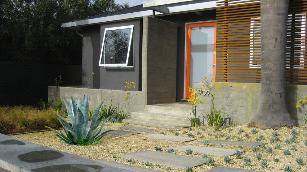 Lowes Conway Ar for a Contemporary Exterior with a Modern Landscape and Baba Haus by Ar5,+Inc.