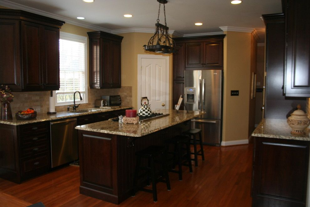 Lowes Conway Sc for a Traditional Kitchen with a Cooktop in Island and Kraftmaid Montclair Cherry   Deason by Lowes of Indian Land, Sc