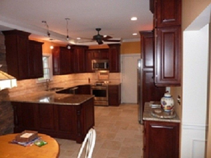 Lowes Kingsport Tn for a Traditional Kitchen with a Kraftmaid Cabinetry Arlington Cherry in and Lowe's Kitchen Designs by Lowe's of Elizabethton, TN #2509