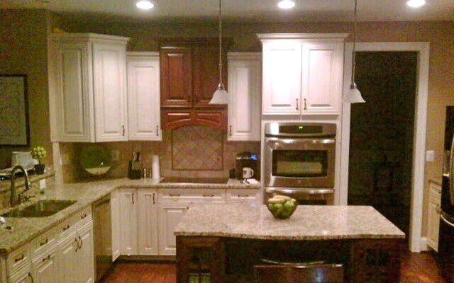 Lowes Kingsport Tn for a Traditional Kitchen with a Shenandoah Mckinley Door Style with Butt and Lowe's Kitchen Designs by Lowe's of Elizabethton, Tn #2509
