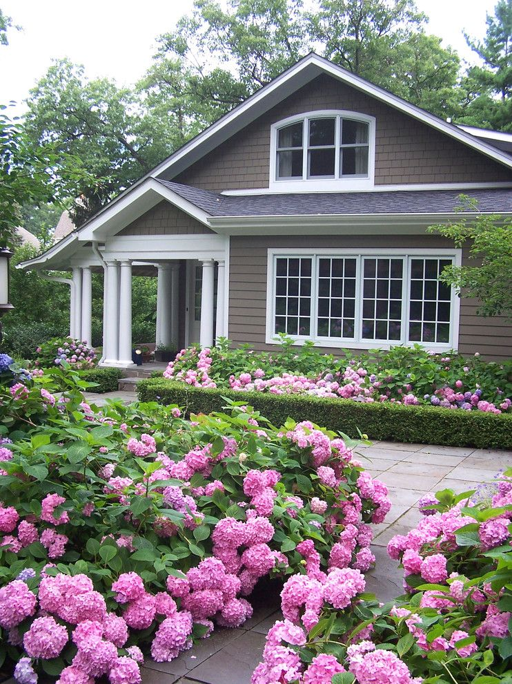 Lowes Lansing Mi for a Traditional Landscape with a Doric Columns and Merry Mount by the Carter Rohrer Co.
