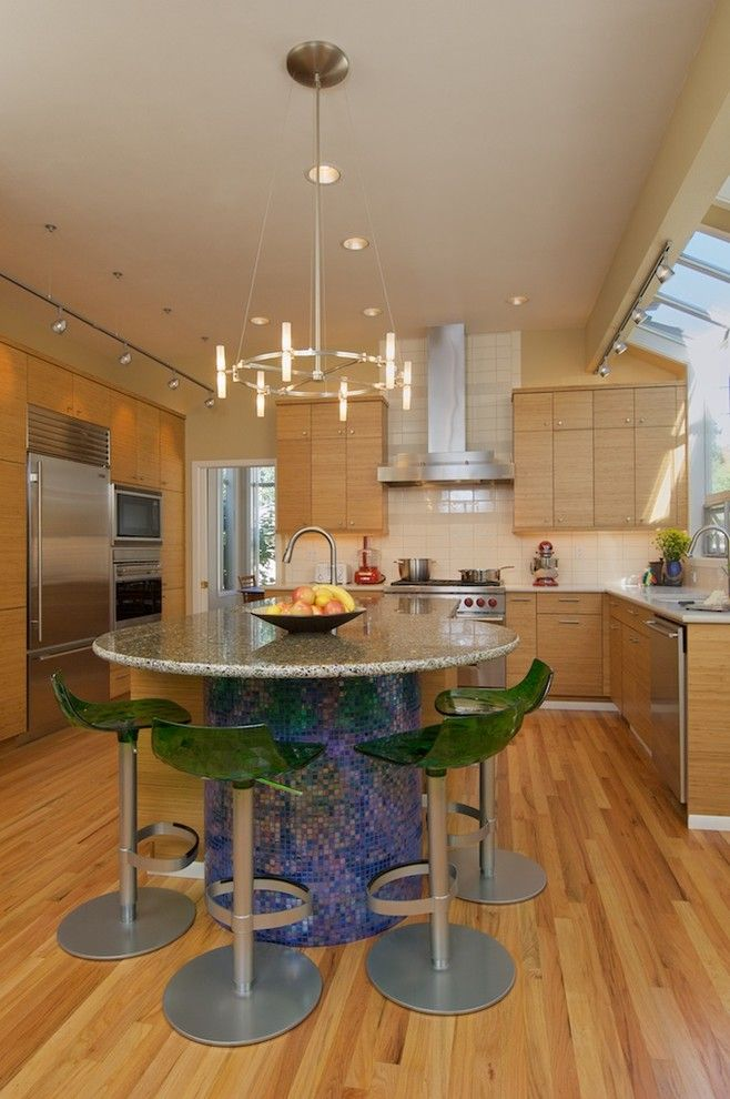 Lowes Oceanside for a Contemporary Kitchen with a Blue Tile and Ellentuck Interiors by Karen Ellentuck. ASID
