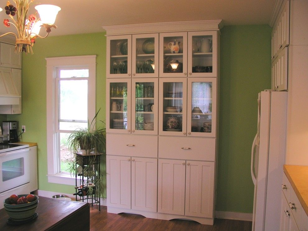 Lowes Pikeville Ky for a Farmhouse Kitchen with a Maple and Harrison by Lowe's of South Lexington, Ky