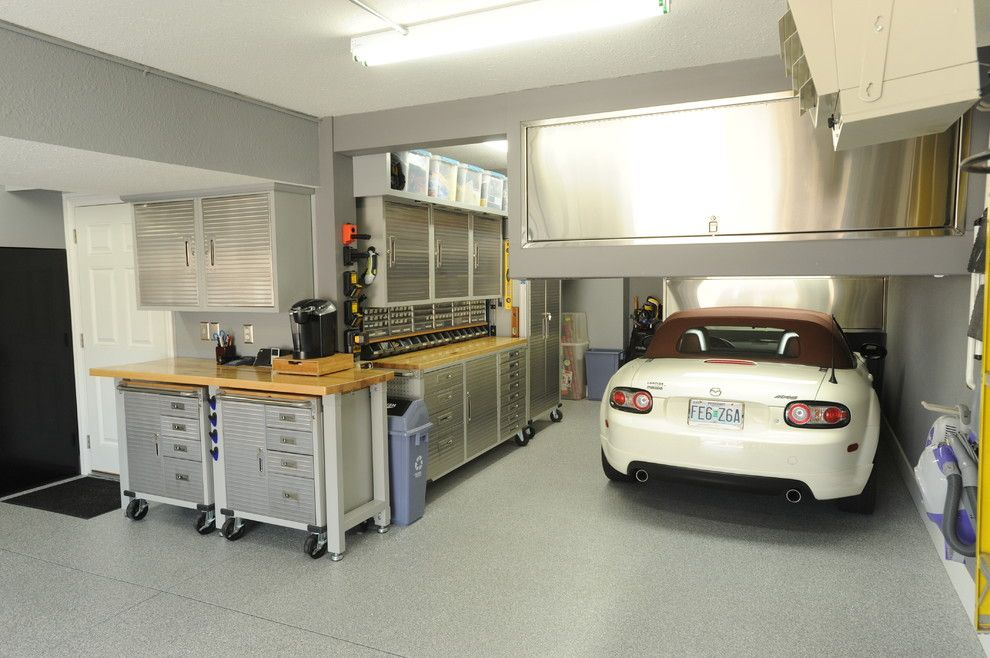 Man Cave Garage Rental : Lowes tool rental for a modern garage with rolling workbench and