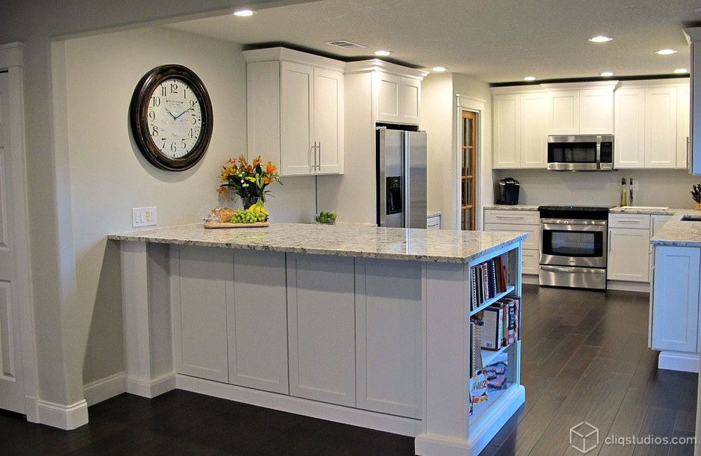 Luna Pearl Granite For A Contemporary Kitchen With A