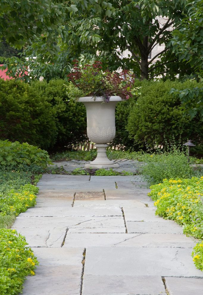 Mariani Landscape for a Traditional Landscape with a Naturalized Garden and Classic Splendor by Mariani Landscape