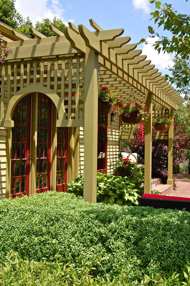 Marlette Homes for a Victorian Spaces with a Lattice and Howard Roberts by Liquidscapes