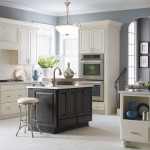 Masterbrand Cabinets for a Traditional Kitchen with a Traditional and Diamond Sullivan Kitchen Cabinets by Masterbrand Cabinets, Inc.