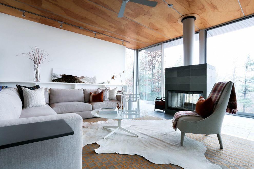 Maxalto for a Modern Living Room with a Febo Lounge and Maxalto Photo Shoot Dc by Maxalto   B&b Italia